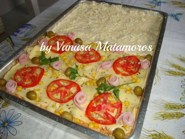 Lasanha 1/2 frango 1/2 carne seca: Vanusa Matamoros
