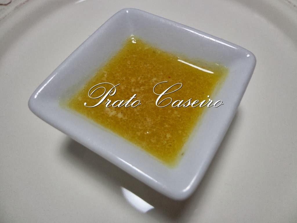 Molho cítrico com manteiga para salmão grelhado