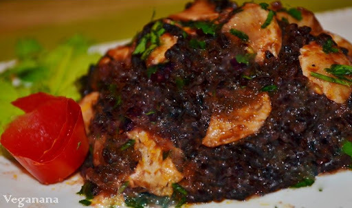 arroz negro com alho poró