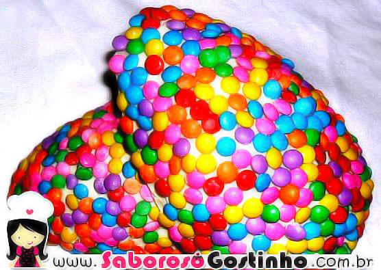 de ovo de pascoa colorido chocolate branco