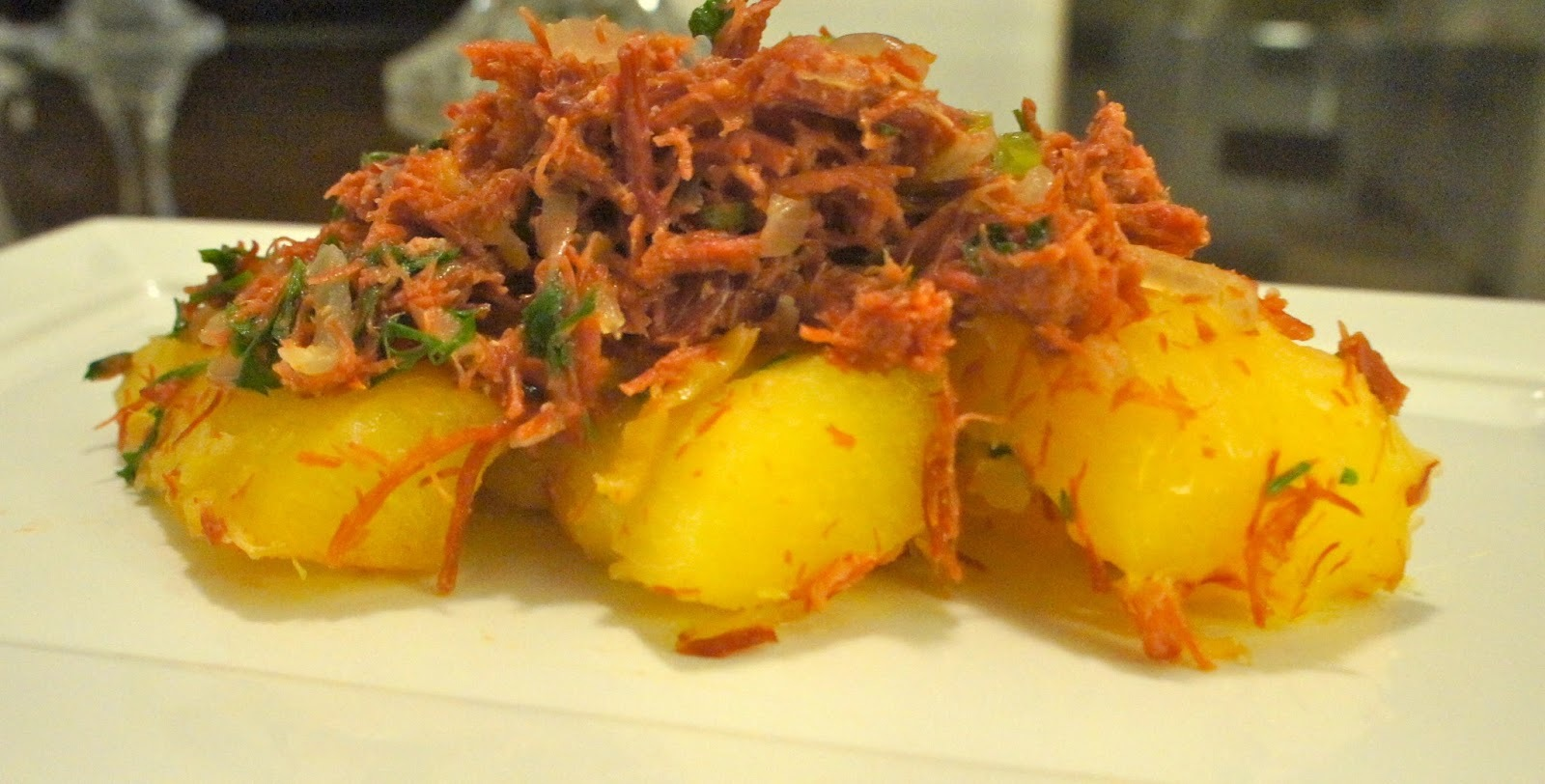 carne de sol pre cozida com mandioca cozida