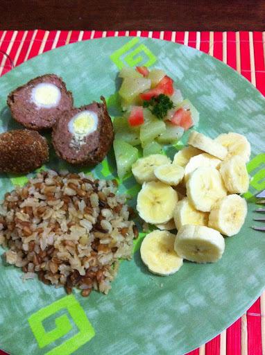 Bolinhos de Carne Moída e Ovos de Codorna - BOLOVINHOS