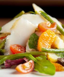 Salada de Bacalhau com Vinagrete de Tangerina