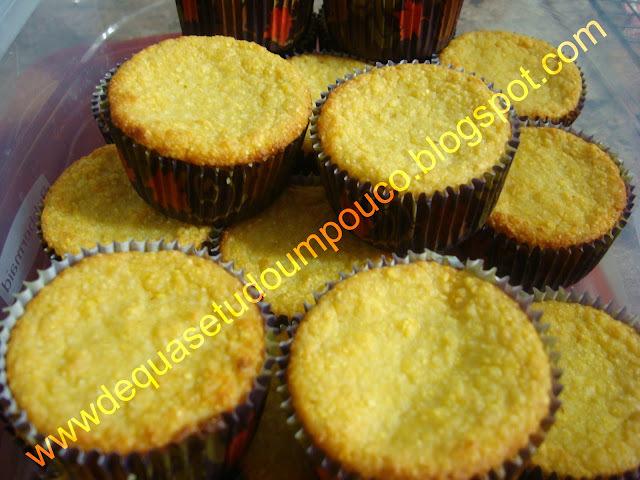 Muffins salgado de milho e ervas finas