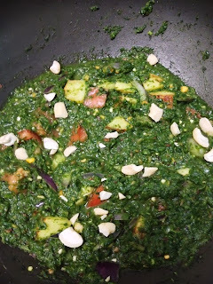 palak gravy for chapati