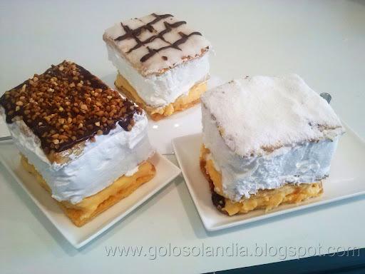 Milhojas de merengue y crema ,  receta casera