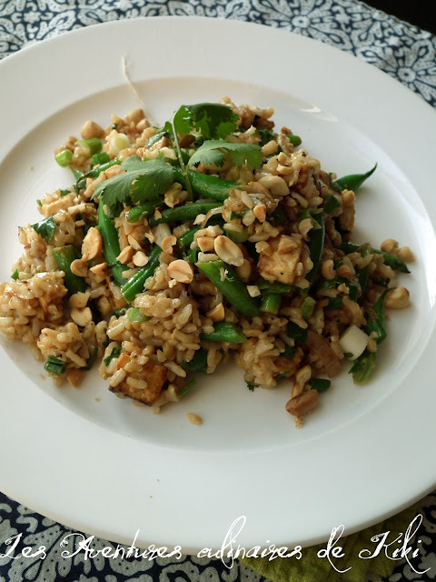 Riz frit à la thaï au tofu et aux haricots verts