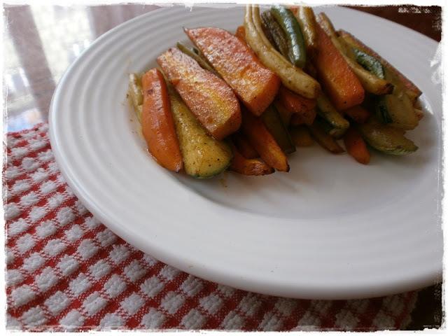 Pečené fazuľové struky s mrkvou a cuketou