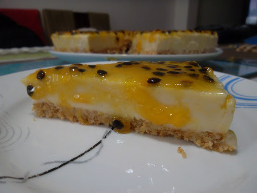 TORTA DE CHOCOLANTE BRANCO E MARACUJÁ