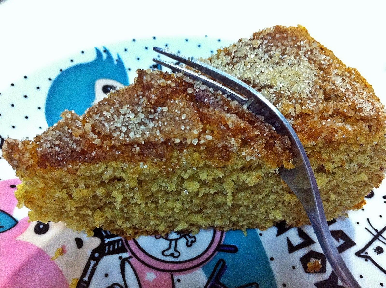 bolo de banana d água com farinha de rosca e canela