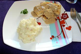 Puré con tocineta y queso azul