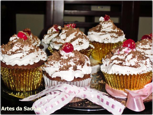 Cupcake floresta negra com creme de ricota Tirolez