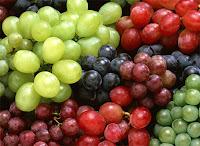 salada com repolho roxo uva abacaxi ameixa
