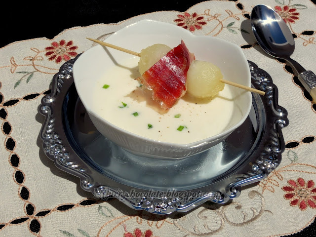 Sopa fría de melón y yogur - Chilled melon and yogurt soup