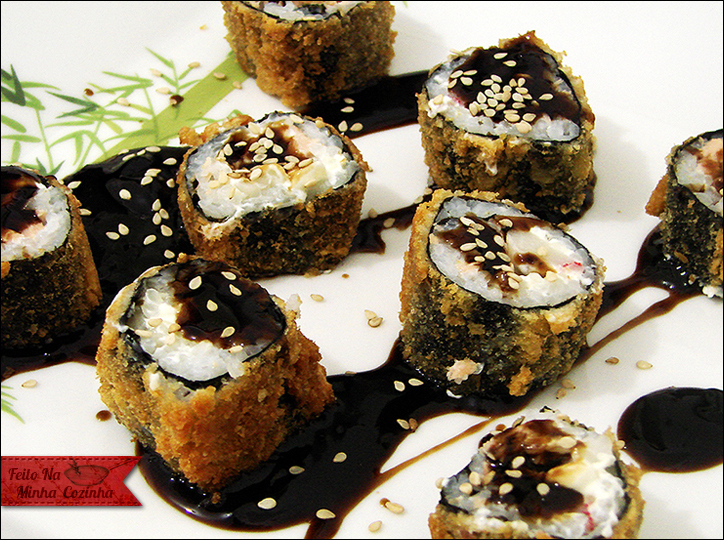 Sushi Hot Roll de Salmão e Kani