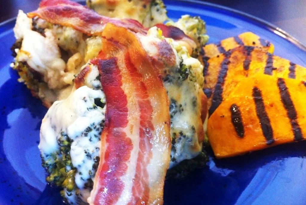 Sajtmártásos brokkoli rozmaringos, grillezett sütőtökkel