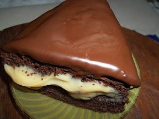 de bolo de chocolate a pão de ló em forma quadrada