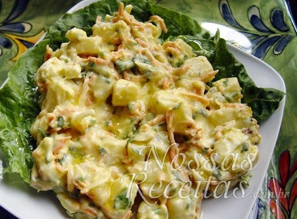 salada de batatas cruas raladas