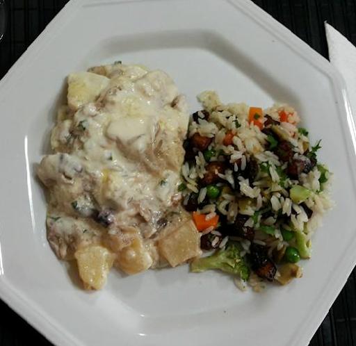 Bacalao con arroz y crema griega