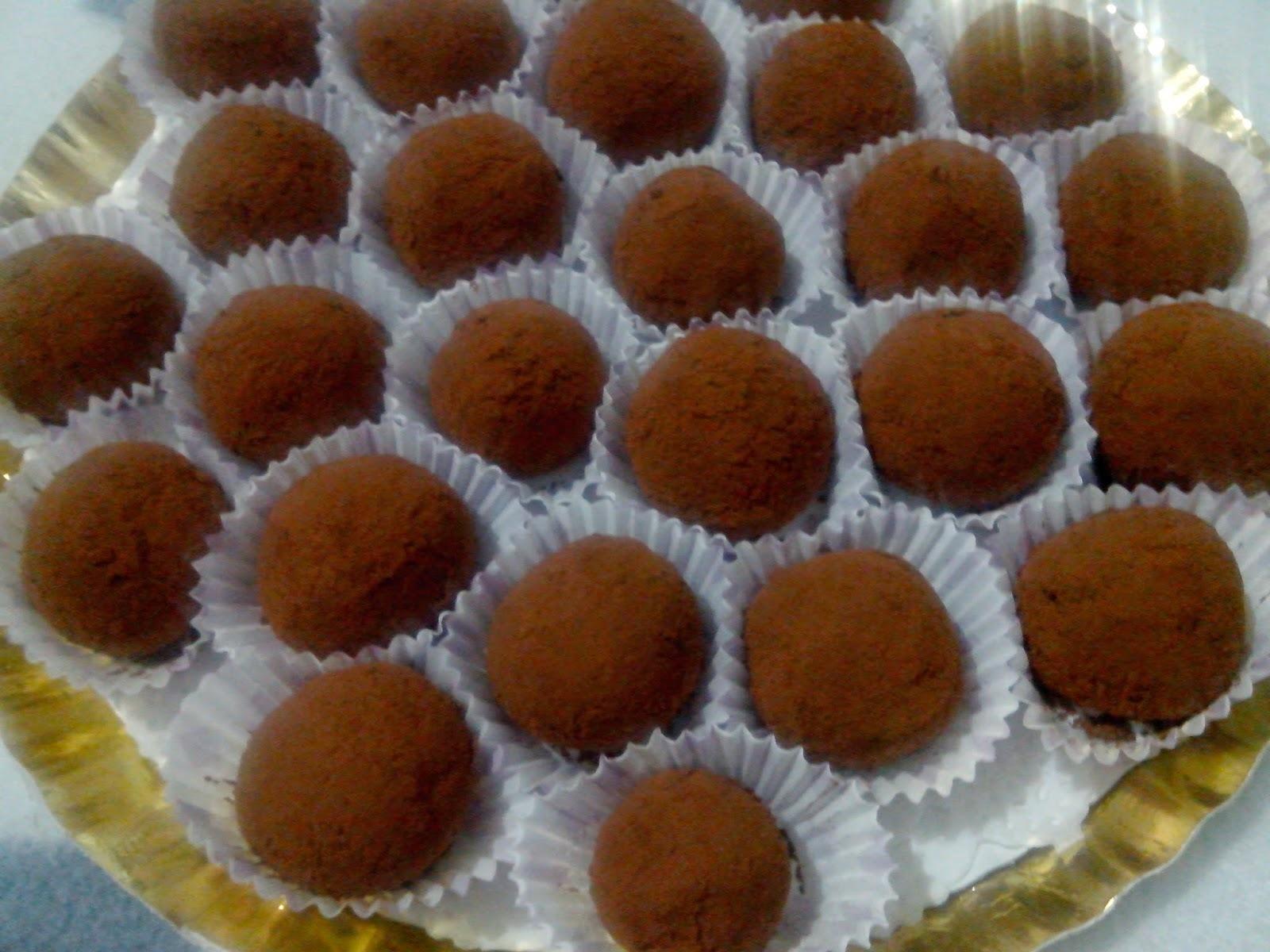 Trufas de Queso y Chocolate Sin Azúcar