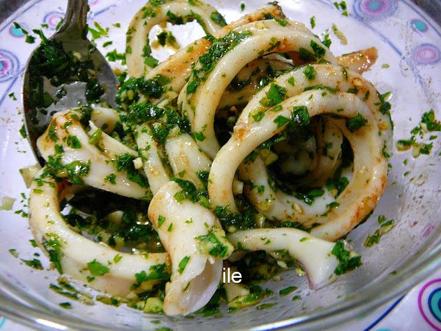 Ensalada de calamares con ajo y perejil