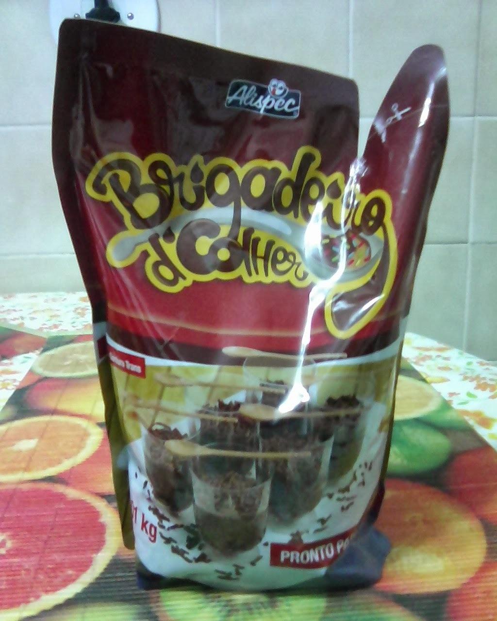 doce feito com bolacha de maizena maizena e chocolate que vai na geladeira