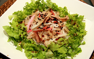 Salada de Kani e Bifum com Molho Adocicado de Shoyu e Gengibre