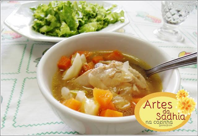 Sopinha de legumes  e frango