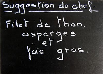 Pavé de thon aux asperges au au foie gras.
