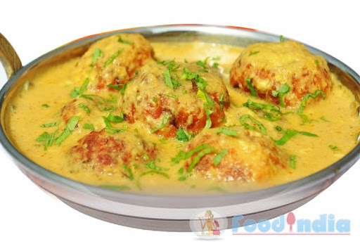 of malai kofta in white gravy by sanjeev kapoor