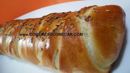 de pão de alho recheado com queijo