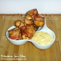 medalhão de peito de frango com bacon no palito