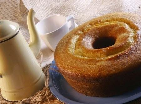 Bolo de Laranja fofo e quentinho...bom com o chá da tarde ou o cafezinho!