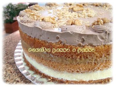 bolo de chocolate com recheio de chocolate com nozes e baba de moça