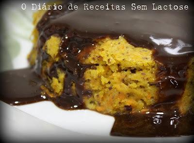 bolo de laranja com calda de laranja e leite condensado com brigadeiro de laranja