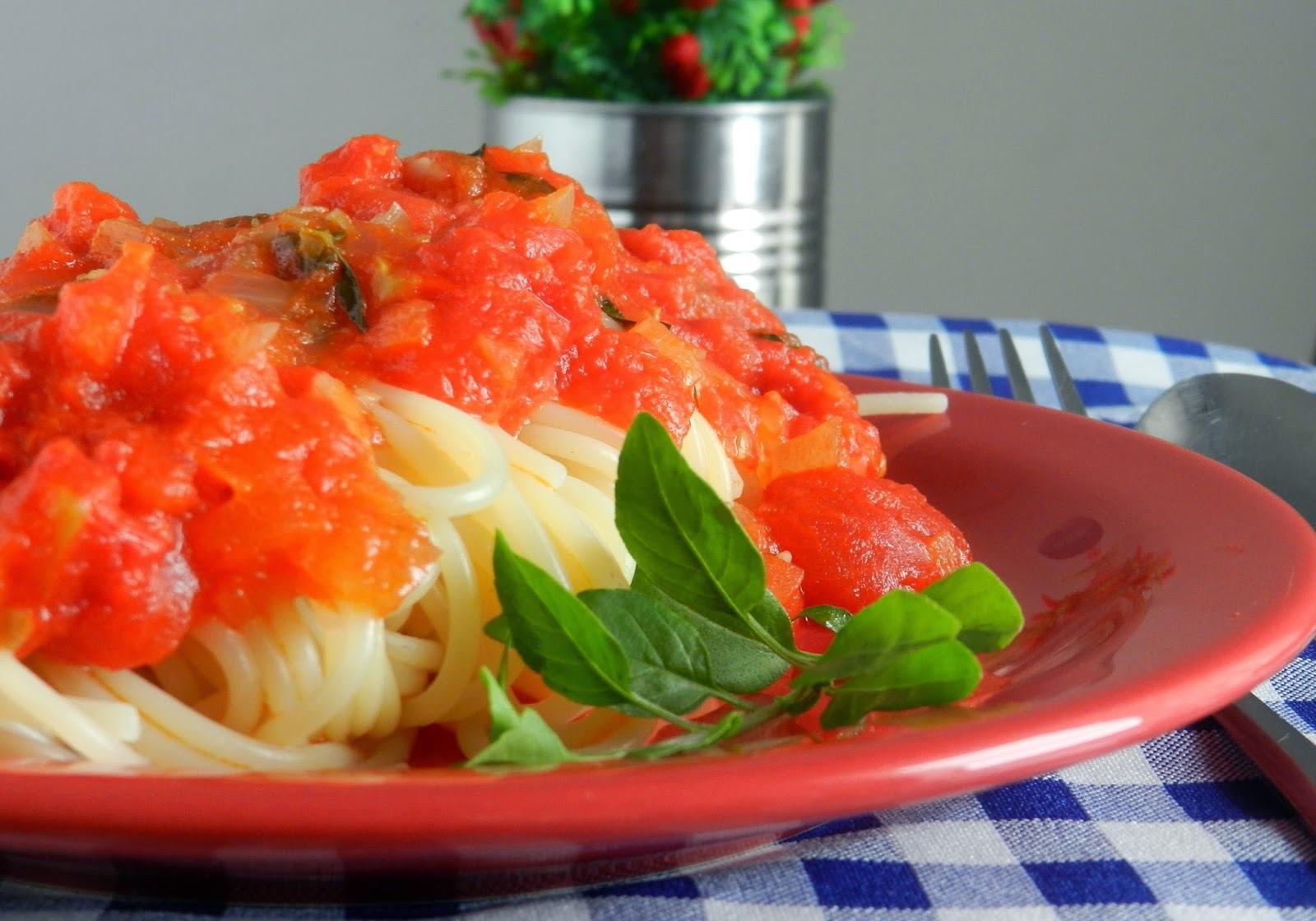 Espaguete Arrabiata #DiadoMacarrão