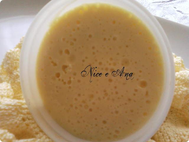 grande de mousse de maracujá feito com gelatina incolor