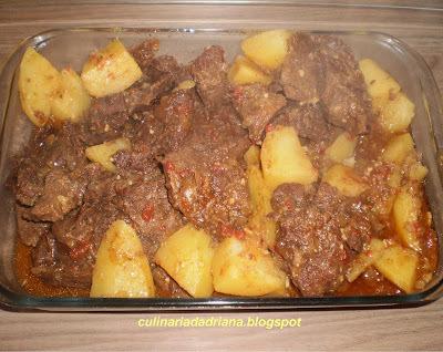 Carne de panela com batatas