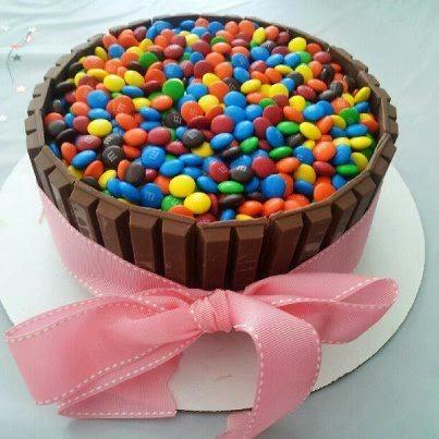 Πανεύκολη τούρτα με πραλίνα