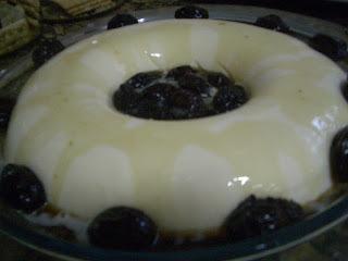 gelatina com creme de leita e creme de leite condensado