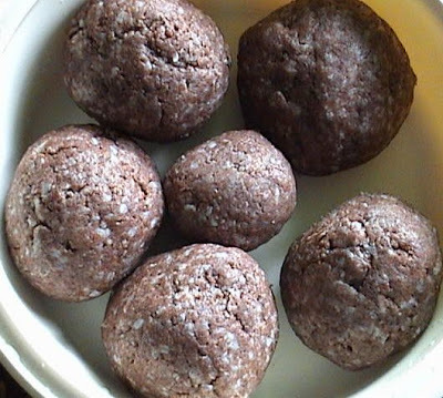 Red Rice Ragi Muddae - Red Rice and Finger Millet Balls