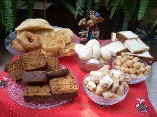 CHRISTMAS GOODIES --CAKES, PIES, PUDDINGS ETC