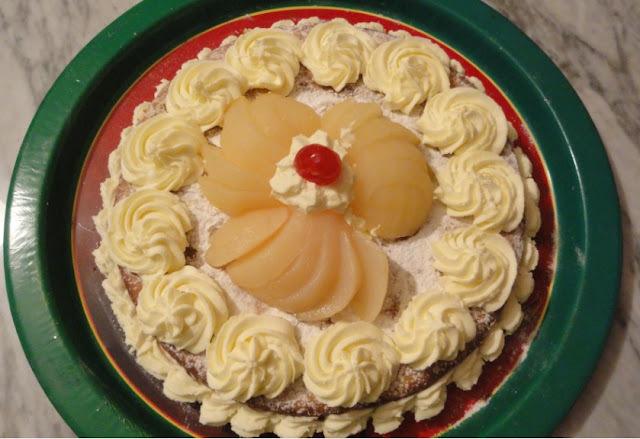 Torta delicada de pera