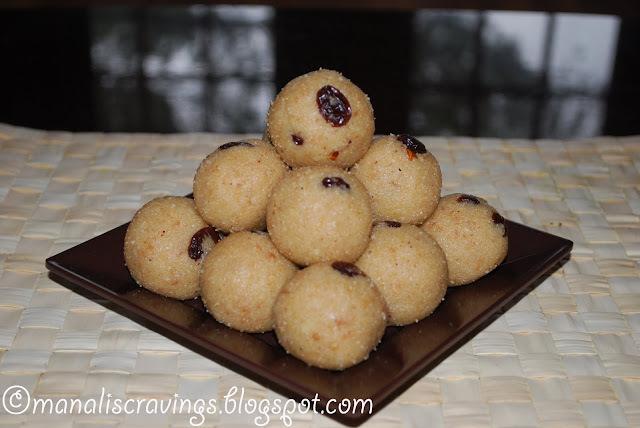 Semolina(Rava) coconut ladoo/laddu