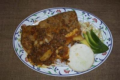 sobrebarriga en salsa criolla al horno