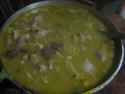 feijão branco com dobradinha costelinha de porco e carne seca