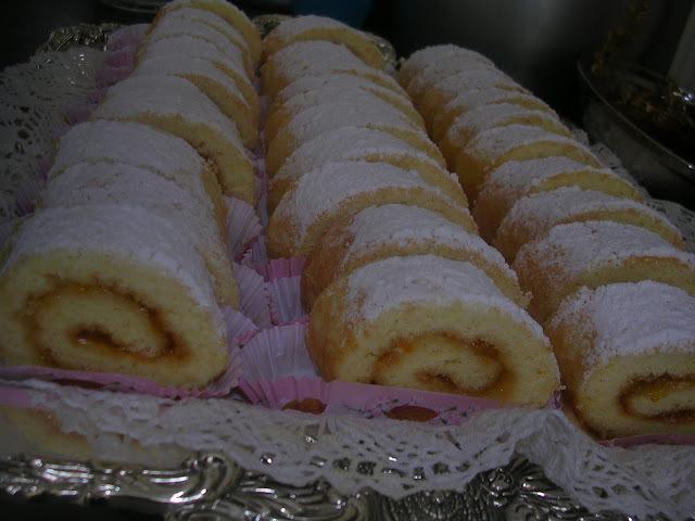 Biscuit roulé à la confiture d'abricot