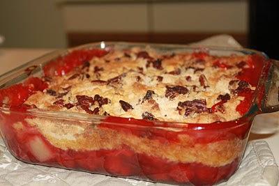 Torta de Abacaxi e Cerejas