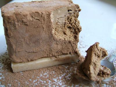 Helado de chocolate con base de mazapan