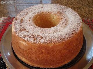 bolo simples de farinha de trigo e maisena